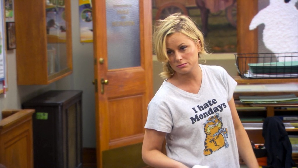 tv-parks_and_recreation-2009_-leslie_knope-amy_poehler-tshirts-s06e06-i_hate_mondays_garfield_shirt