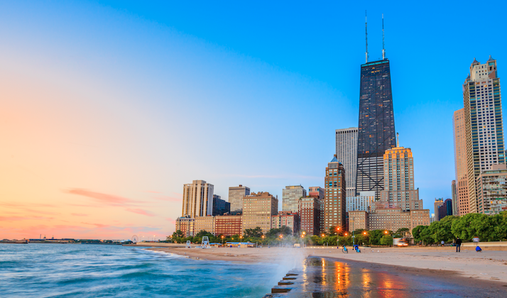 Illinois Governor Signs Bill That Allows The Return Of Happy Hour, Chicagoans Rejoice
