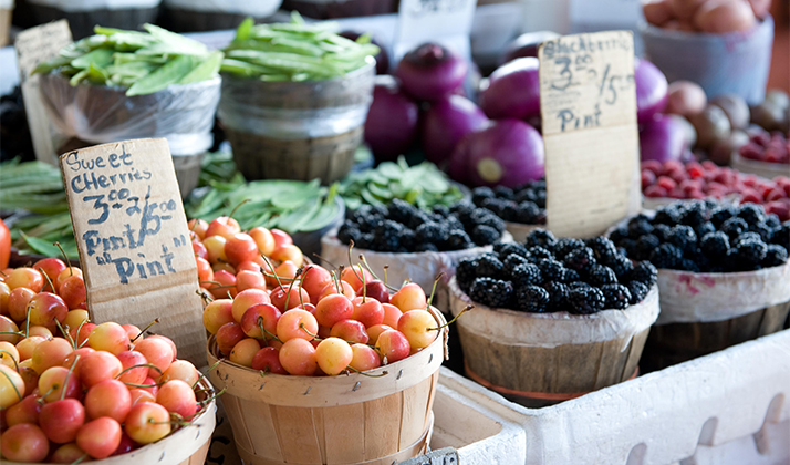 Should You Go To Brunch Or The Farmer's Market?