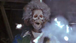 home_alone_2_daniel_stern_as_marvs_skeleton