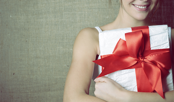 25 Acceptable Combo Gifts To Give To A December Baby