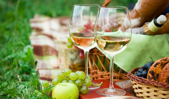 Your Guide To A Glass of Summer Wine