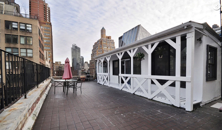 What Kind Of Dumbass Would Rent This $4,200 Per Month Cabin In Manhattan?