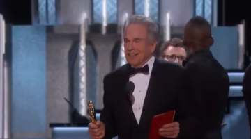 The Guy Who Handed Warren Beatty The Best Picture Envelope Was Firing Off Tweets Right Before