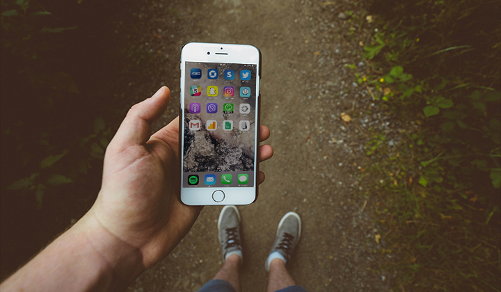 How To Configure Your iPhone's Home Screen So You Don't Look Like A Psycho